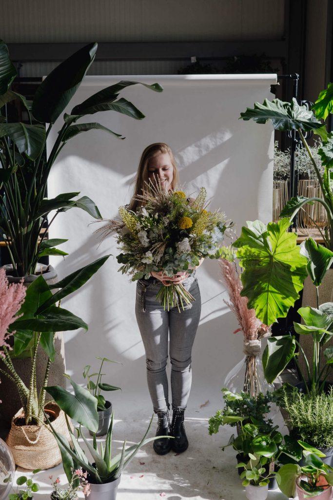 Maskenporträts im Blumenladen wow was für bilder